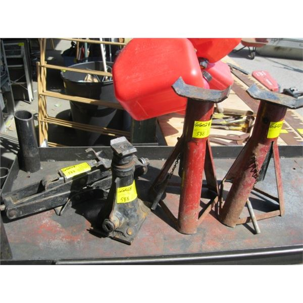 2 JACKS & A PAIR OF JACK STANDS