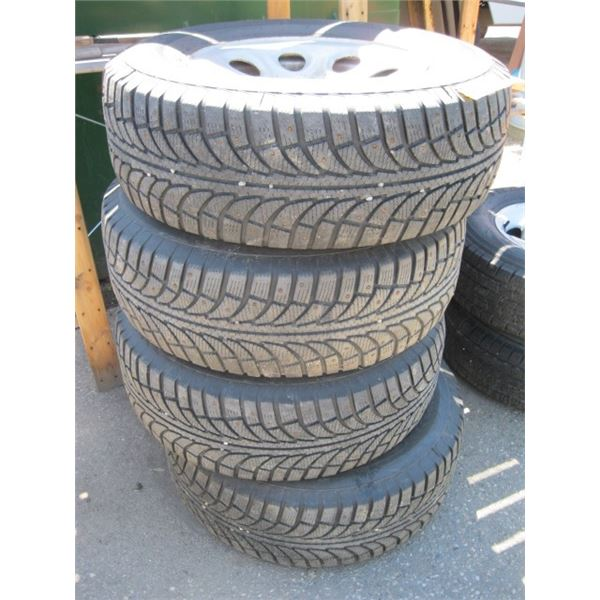 SET OF 4 26570R17 TIRES ON CADILLAC ESCALADE RIMS, STUDDED WINTER TIRES