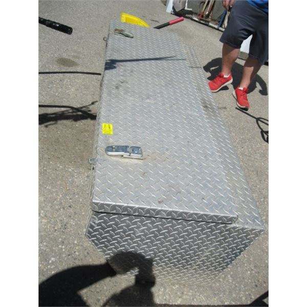 METAL CHECKERPLATE TOOL BOX WITH CABLE