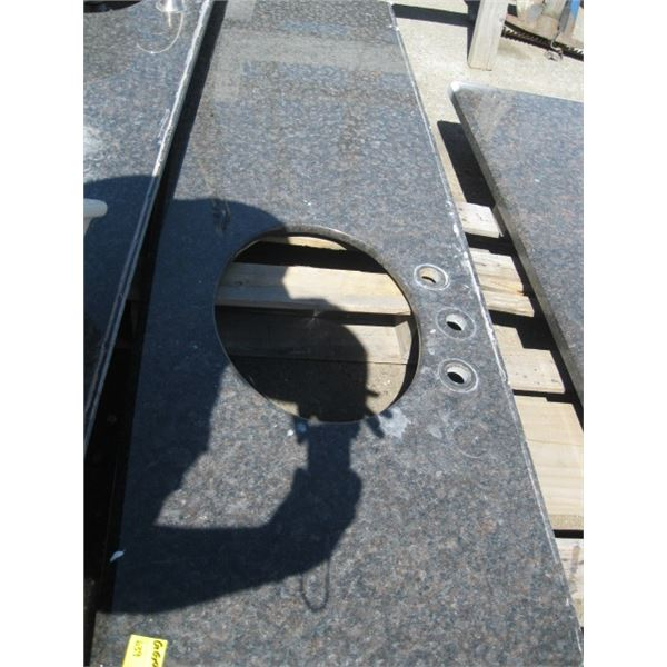 GRANITE COUNTER TOP WITH 1 HOLE FOR SINK