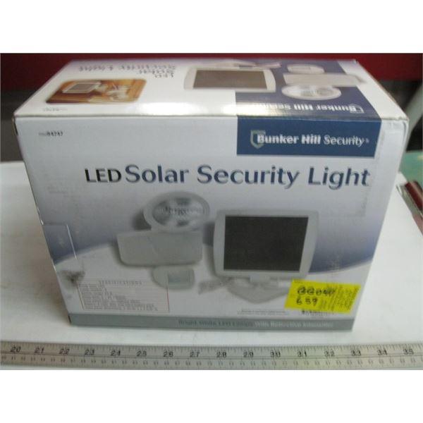 LED SOLAR SECURITY LIGHT