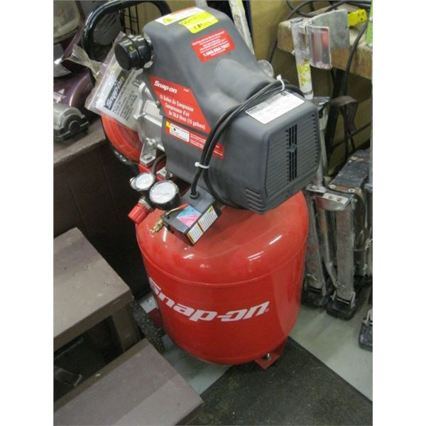 SNAP ON 15 GALLON AIR COMPRESSOR WITH NEW ROLL OF AIRLINE