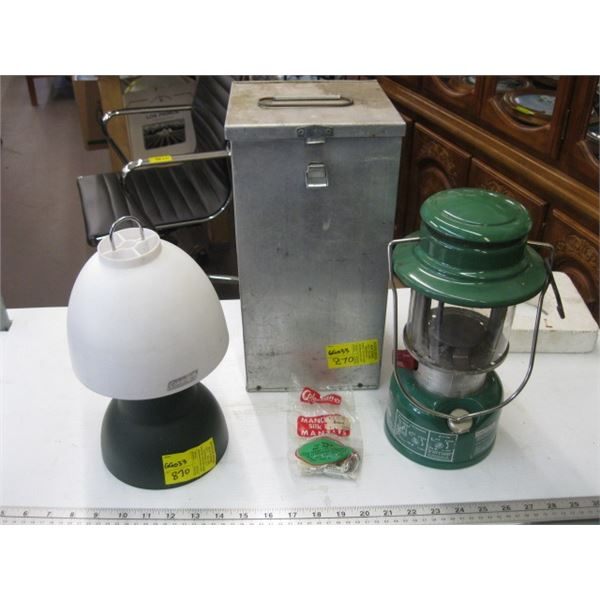 COLEMAN BATTERY OPERATED LAMP WITH METAL BOX
