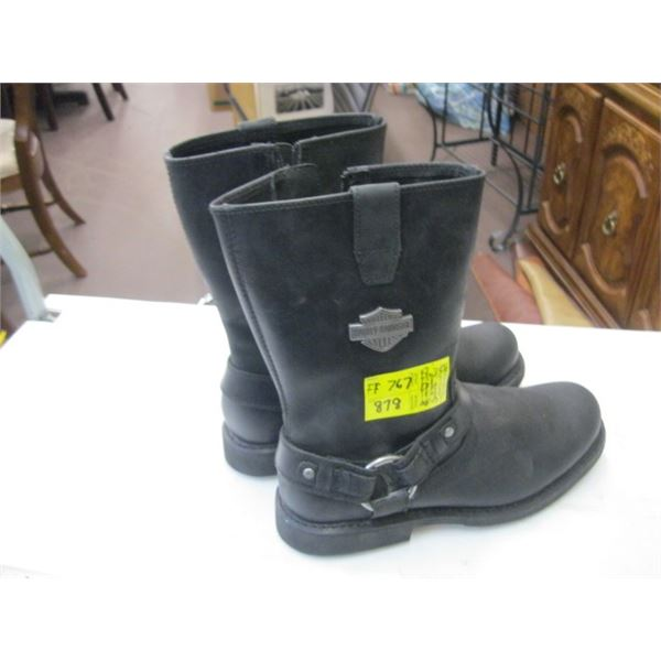 PAIR OF SIZE 9 1/2 MEN'S HARLEY DAVIDSON BOOTS