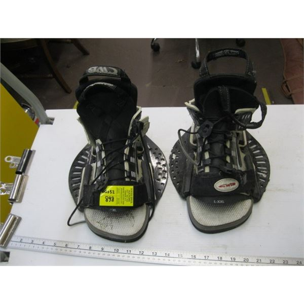 SET OF WAKEBOARD BOOTS