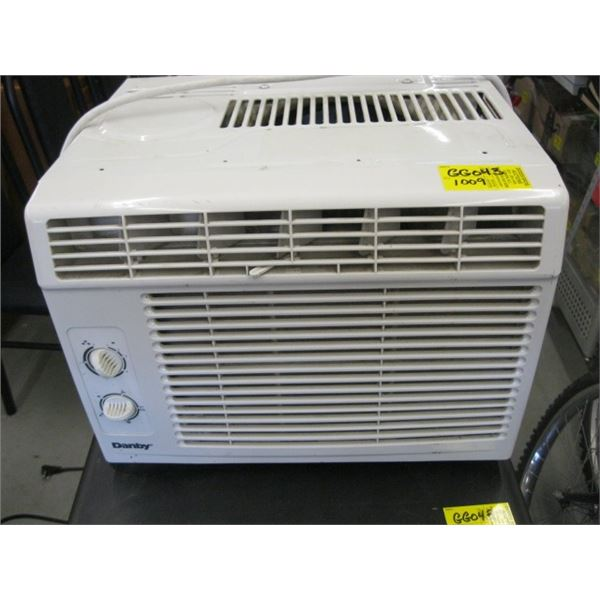 DANBY WINDOW MOUNT AIR CONDITIONER, APPROX. 5000 BTU