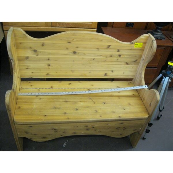 SOLID WOOD BENCH WITH LIFT TOP SEAT