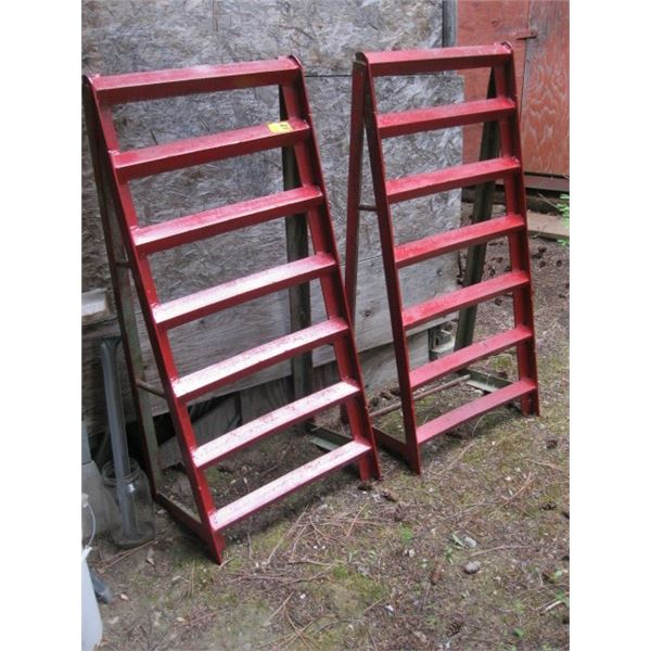 2 HEAVY DUTY RED METAL RAMPS **ITEM OFF SITE, CALL FOR VIEWING APPOINTMENT**