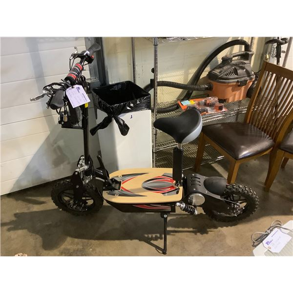 NEW OPEN BOX 2021 ELECTRIC SCOOTER (2000 WATTS) 60KM/H WITH 4-6 HOUR CHARGE