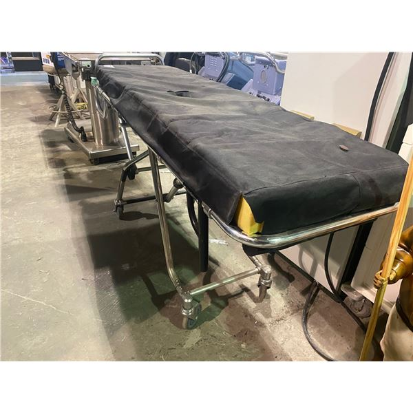 PORTABLE STRETCHER BED (SET DEC)