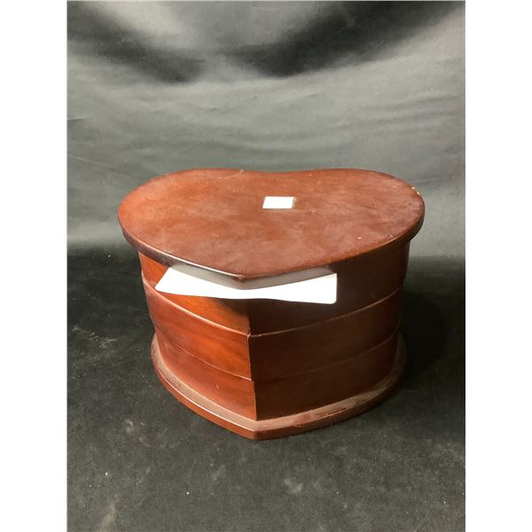 HEART SHAPED JEWELRY BOX & CONTENTS