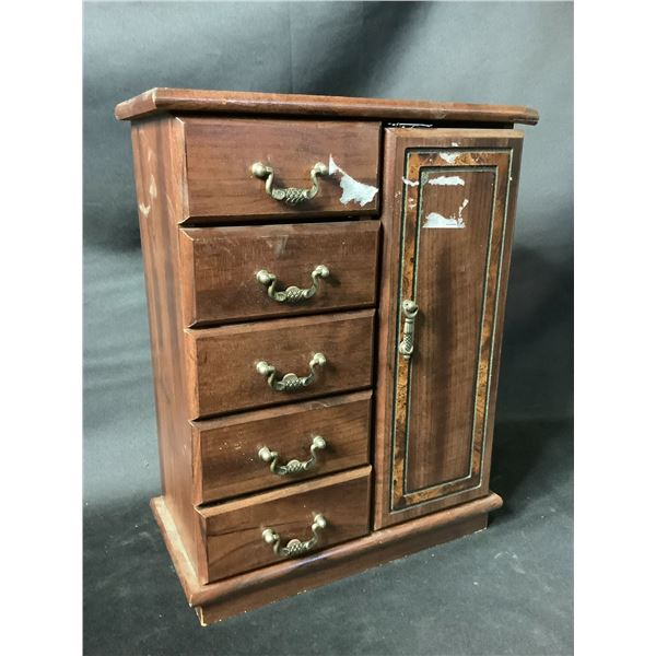 5-DRAWER JEWELRY BOX & CONTENTS