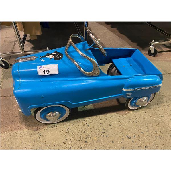 VINTAGE 1950S PEDAL CAR