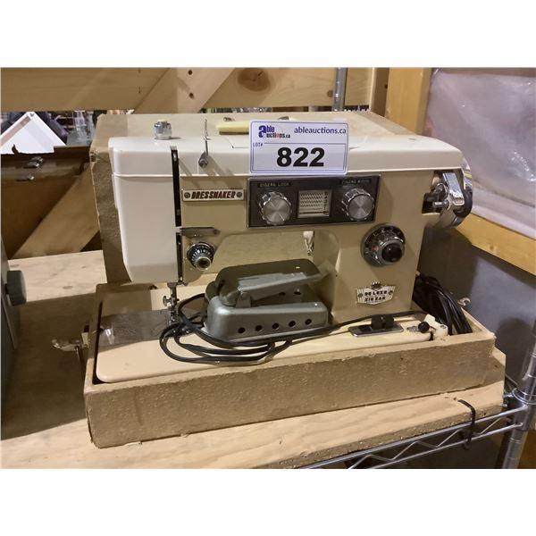 VINTAGE DRESSMAKER SWA-2000 SEWING MACHINE
