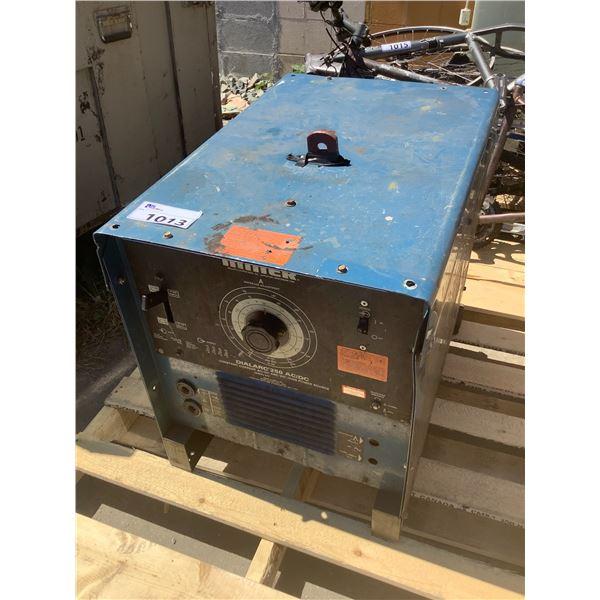 MILLER DIALARC 250 AC/DC WELDING MACHINE