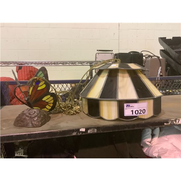 STAINED GLASS LAMP SHADE & TABLE LAMP