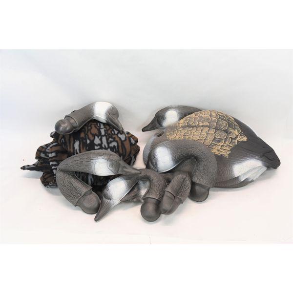 6 Foam Goose Shells & 2 Golden Retriever Camo Vests