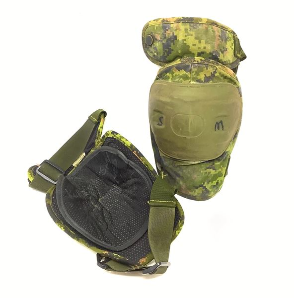 Canadian Forces Knee Pads, Small/ Medium