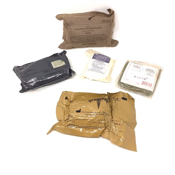Field Dressing and Bandages X 5