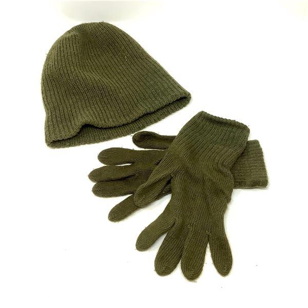 Military Pair of Gloves and Toque, Medium
