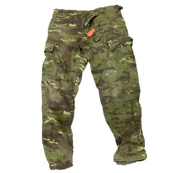 Shadow Strategic Camo Pants, Camo, Large and Small Knives X 2