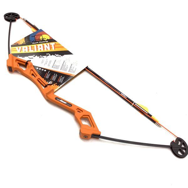 """Bear Archery """"Valiant"""" Youth Compound Archery Set, New"""
