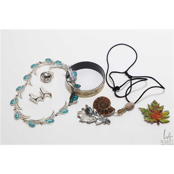 """Two trays of vintage collectible jewellery including sterling silver and turquoise enamel 16"""" neckla"""