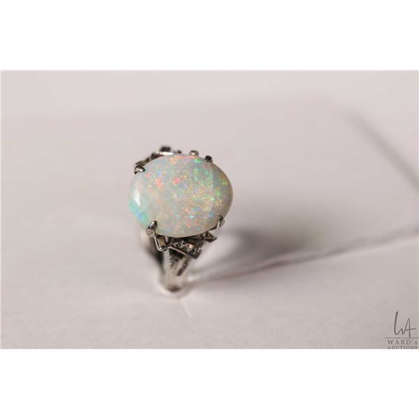 18ct white gold ring set with oval gemstone, size 5.5, note opal appears to have fisher on underside