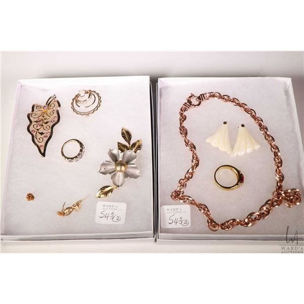 Selection of collectible jewellery including 10kt single rose pendant, rose earrings, brooches, two