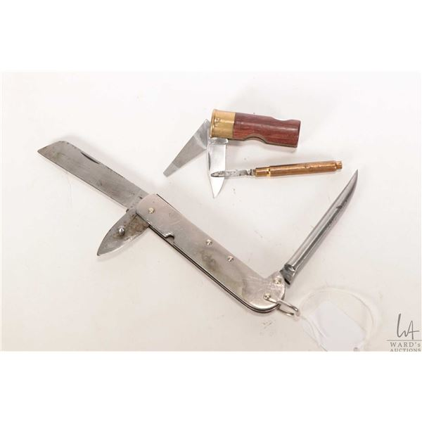 Three knives including Canadian WWII military folding field knife with sheeps foot blade, marlin spi
