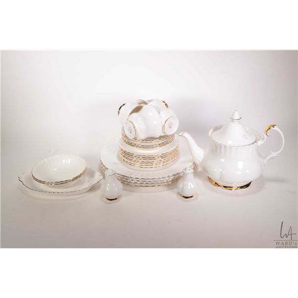 Selection of Royal Albert Val D'or including four dinner plates, seven bread and butter plates, four