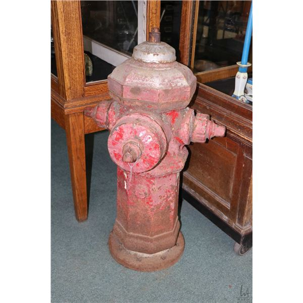 Vintage fire hydrant . Note: Not Available For Shipping. Local Pickup Only