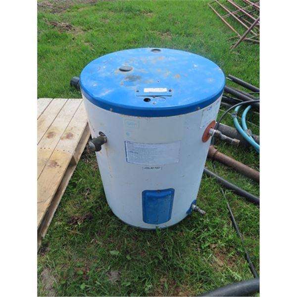 Pipe Hotwater Tank 25 Gal