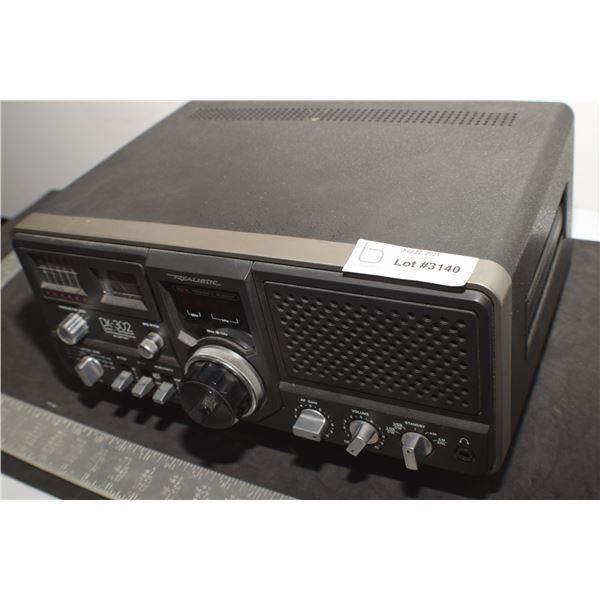 REALISTIC DX-302 DIGITAL COMMUNICATIONS RECEIVER AND ORIGINAL BOX RADIO