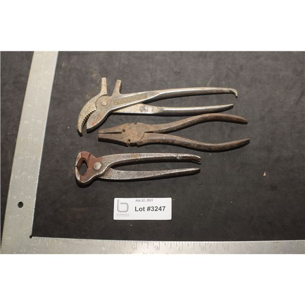ANTIQUE TOOLS  ---------------- PLIERS NIPPERS ETC