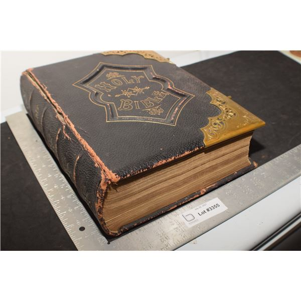 MASSIVE 1800s HEAVY BIBLE 1280 PAGES COVER GETTING LOOSE