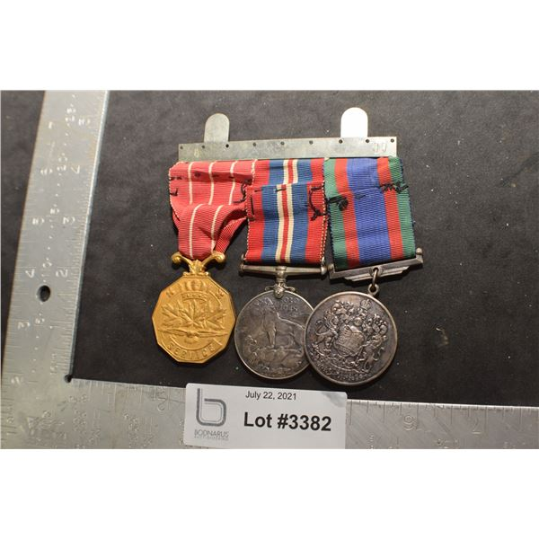 WWII CANADA CANADIAN SOLDIER 3 MEDALS  / RIBBONS AND BAR