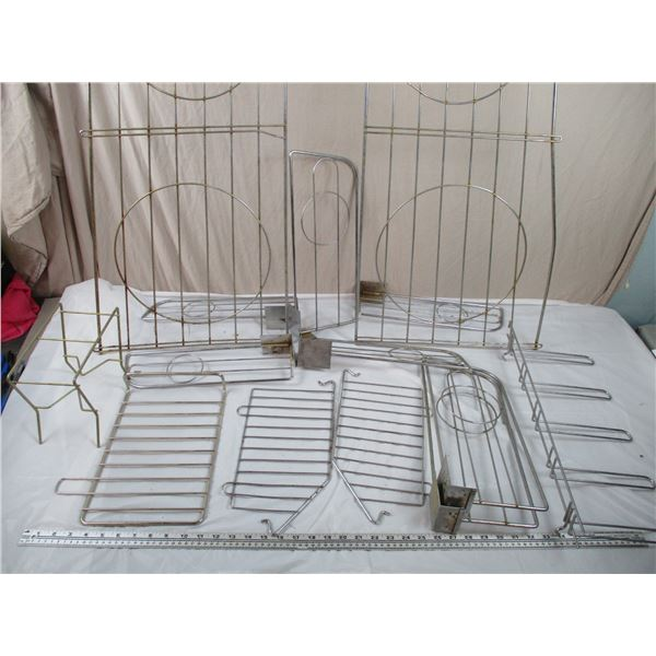 Lot of wire rack