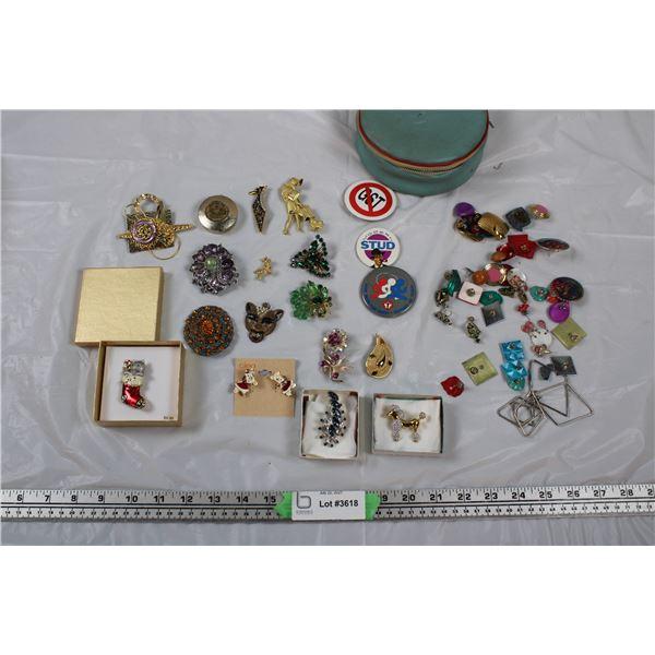 Jewellery Lot - Brooches, Earrings