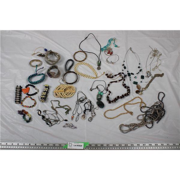 Jewellery Lot - Necklaces + Bracelets