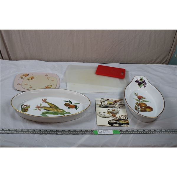 Evesham kitchenware bake trays + cutting boards