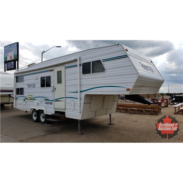 2000 Frontier W257SL Holiday Trailer - Fifth Wheel (One Slide Out) S/N#2PEFH2267Y1200915
