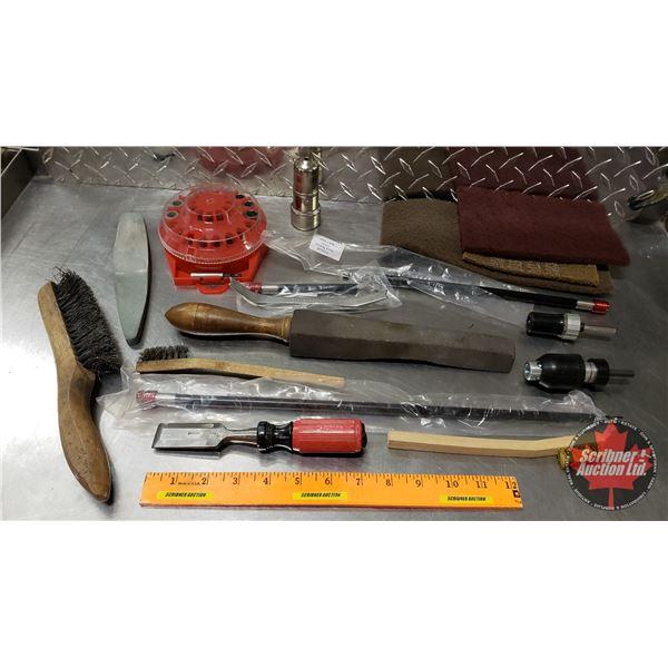 Tray Lot: Quick Release Drill Attachment, Drill Bits, Wire Brushes, etc