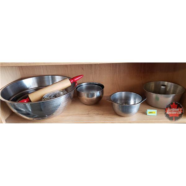 Kitchenwares Combo: Salad Bowls, Baking/Mixing Bowls, Cake Pan, Rolling Pin, Cookie Cutters, Timer (