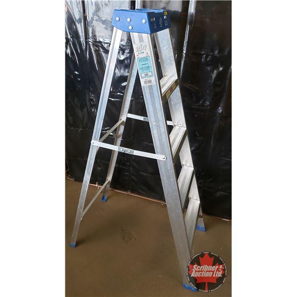 Bon L Light Duty Aluminum 5ft Step Ladder