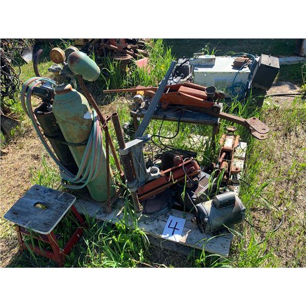 Pallet - Acetylene cart, floor jack,