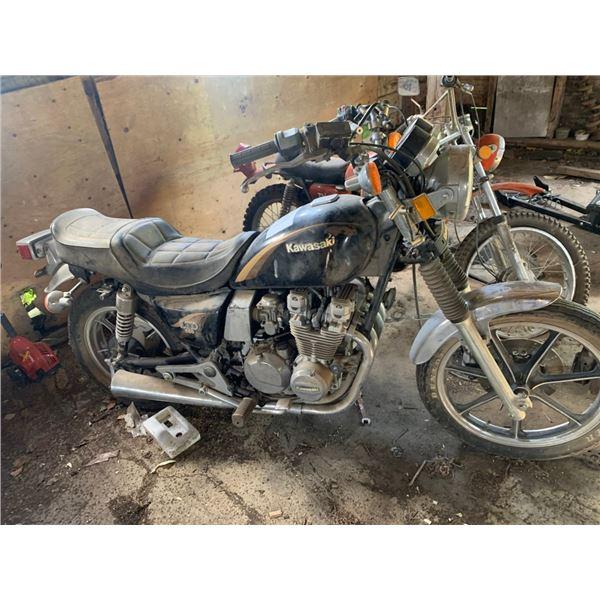 Kawasaki LTD 550 motorbike - not runnin