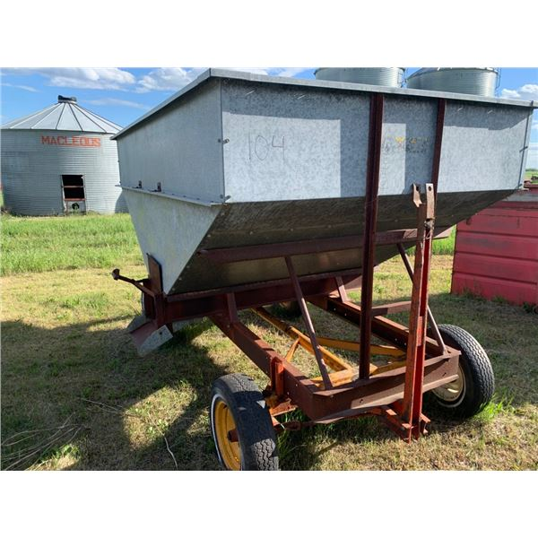 Grain hopper wagon