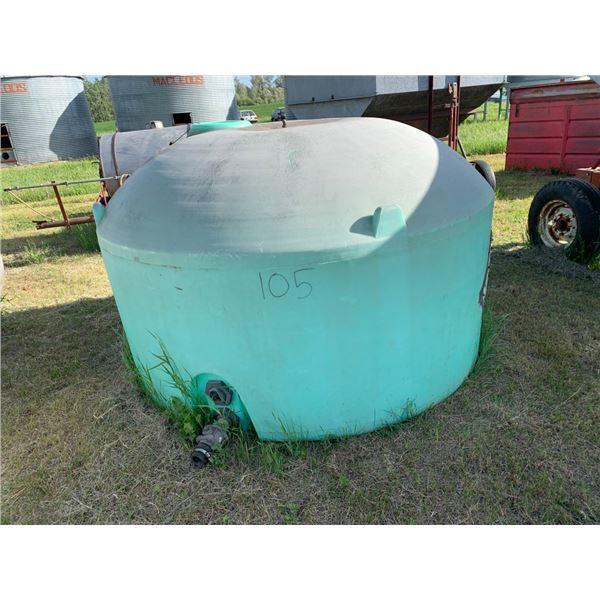 1100 Gal. Plastic water tank
