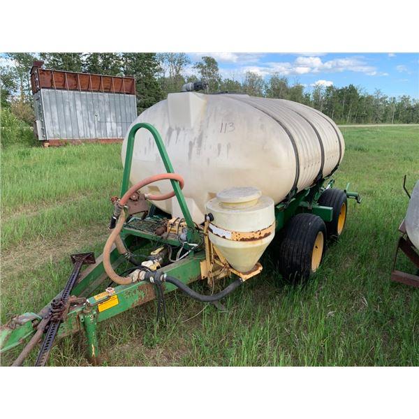 1000 gal water tank on trailer